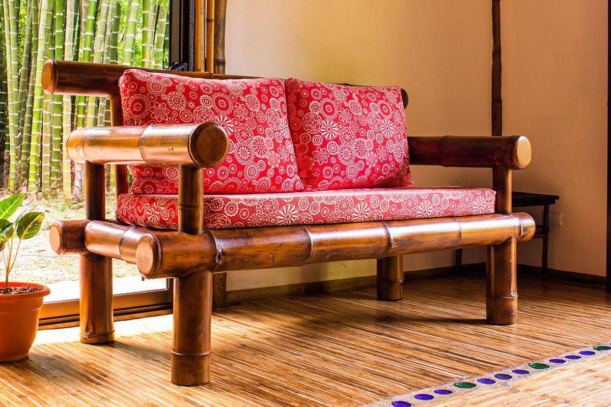 Muebles de bambú, opción versátil para la decoración.